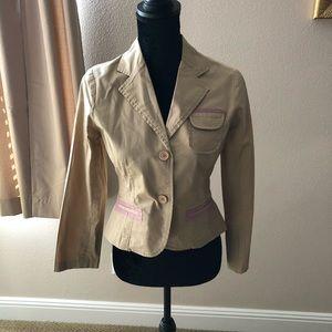 Beautiful jacket never worn! Very stylish!